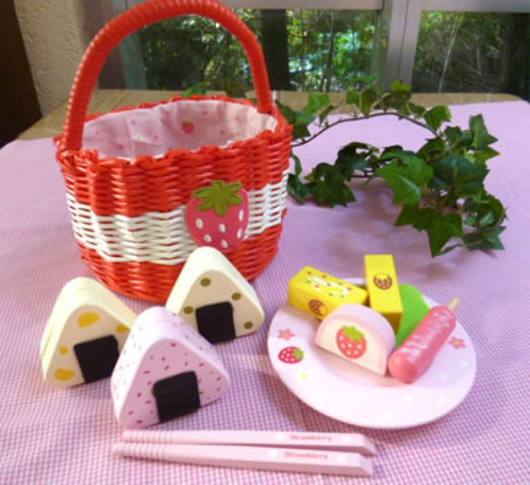 Mother Garden Red Basket with Rice Ball Set